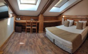 Улучшенный двухместный номер с 1 или 2 кроватями (Мансарда)
